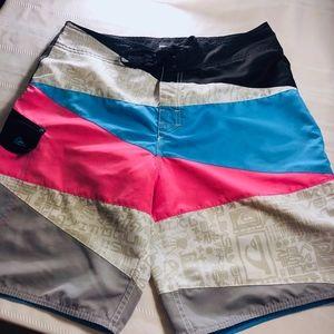 EUC Men's Quicksilver Swim Suit Size 32
